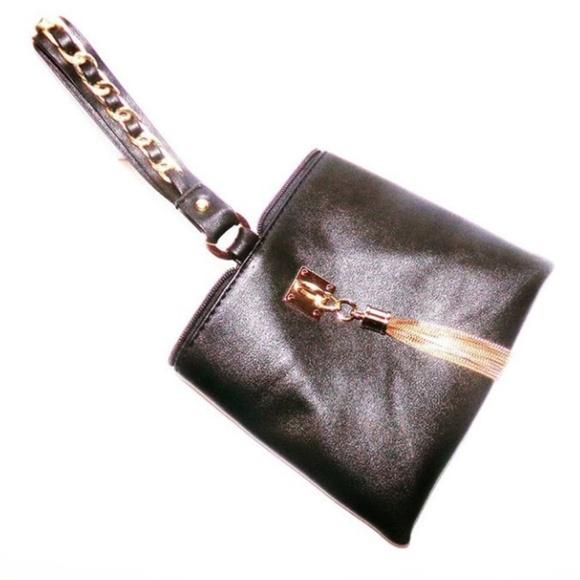 Marshalls Handbags - LEASH YOUR MONEY BAG